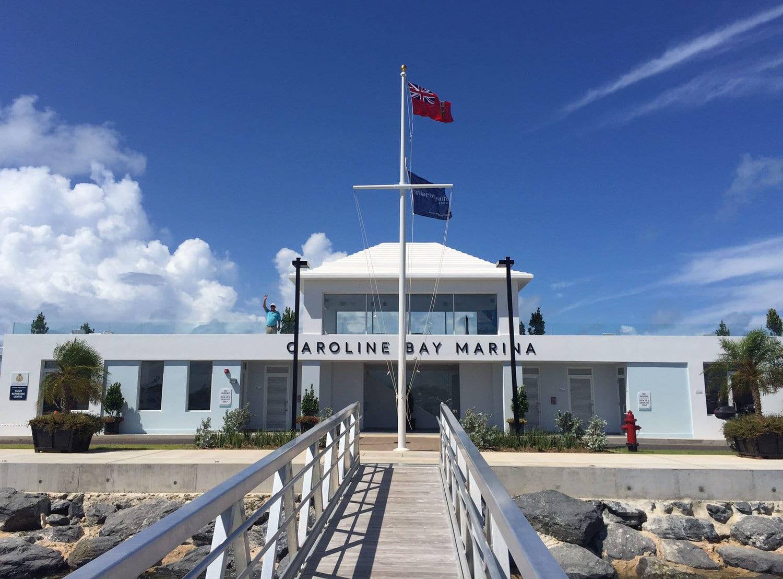 Кэролайн Бэй Марина для парковки супер яхт