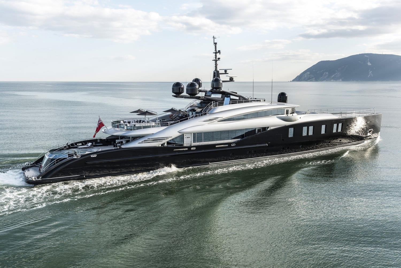 Шикарная чартерная мега яхта OKTO от ISA YACHTS 66 метров