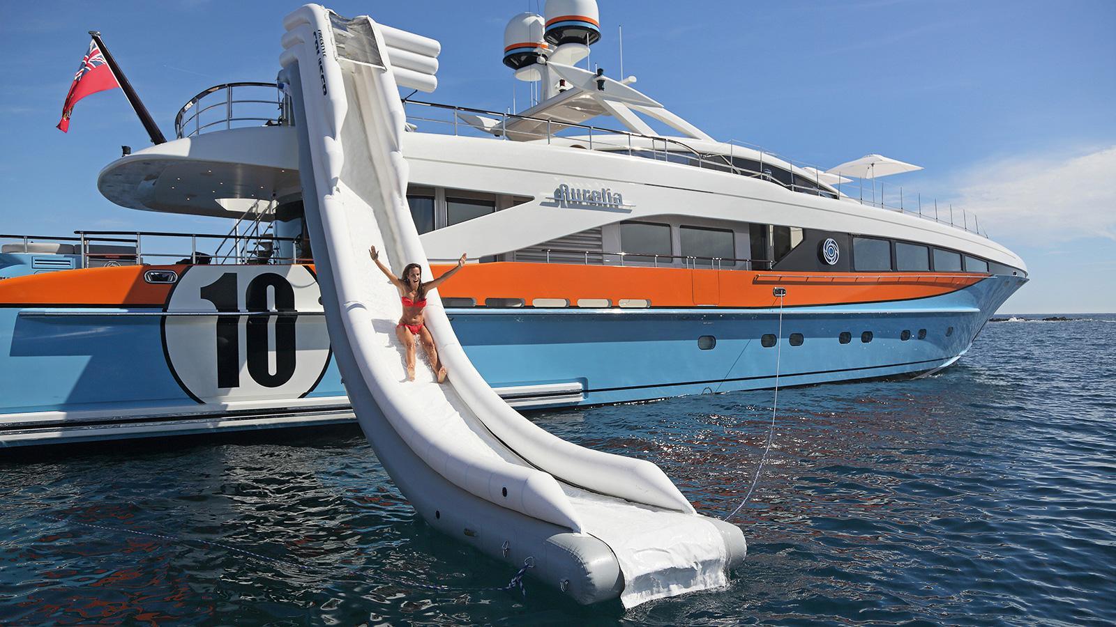 Роскошная супер яхта HEESEN Аурелия на Лазурном Берегу