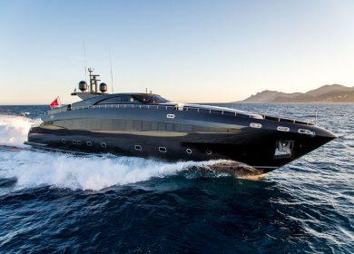Роскошная моторная яхта BAGLIETTO в Итальянских водах