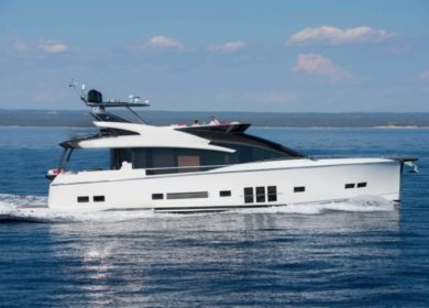 Роскошная кастомная моторная яхта ADLER на Лузурном берегу