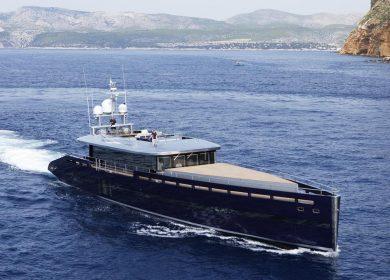 Шикарная моторная яхта MMGI Yachts в Монако