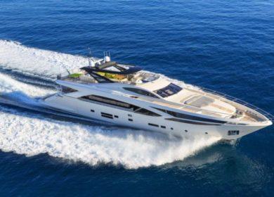 Чартерная мега яхта Amer 29 метров на Средиземном море