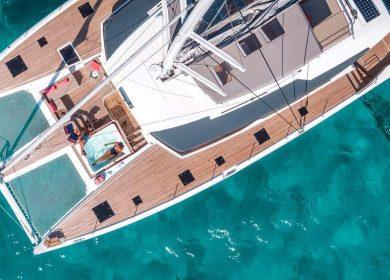 Чартерный катамаран класса люкс FONTAINE PAJOT 20 метров на Лазурном берегу