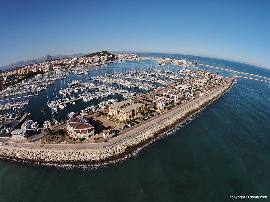 Суперяхты в Марина Дения на Испанском побережье