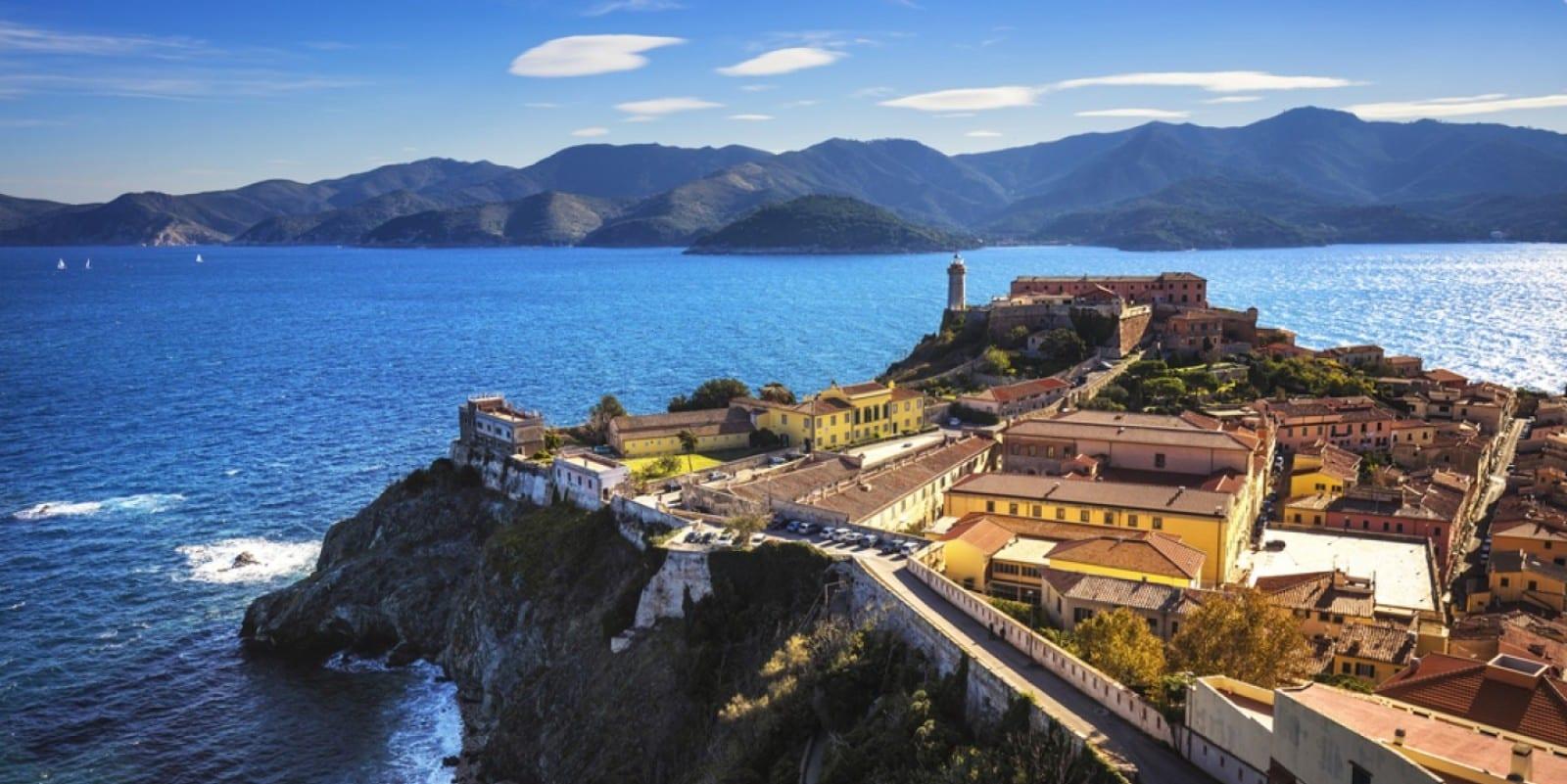 Тосканский архипелаг близ берегов Италии