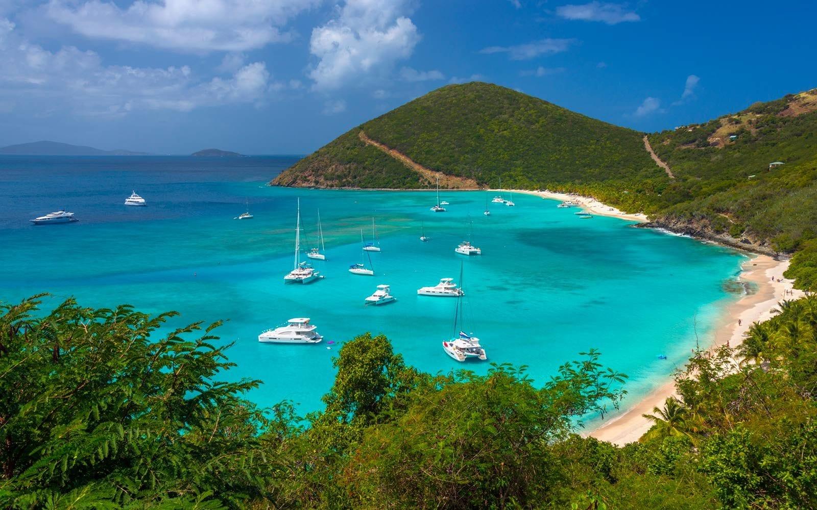 Большие дорогие катамараны класса люкс на Карибах