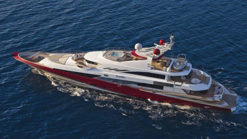 Большая чартерная VIP яхта JOY ME в водах Хорватии