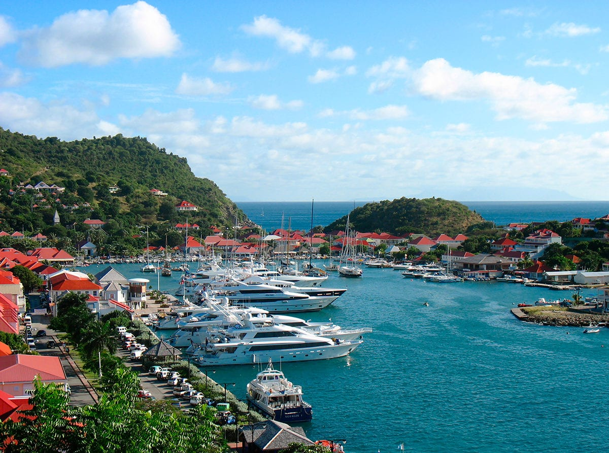 Шикарные чартерные мегаяхты на Карибах