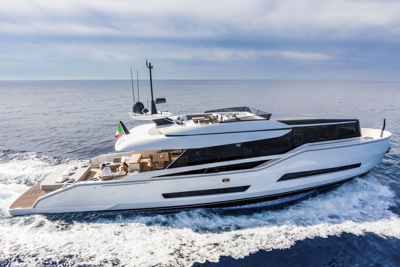 Новая модель элитной яхты от компании ISA из Италии