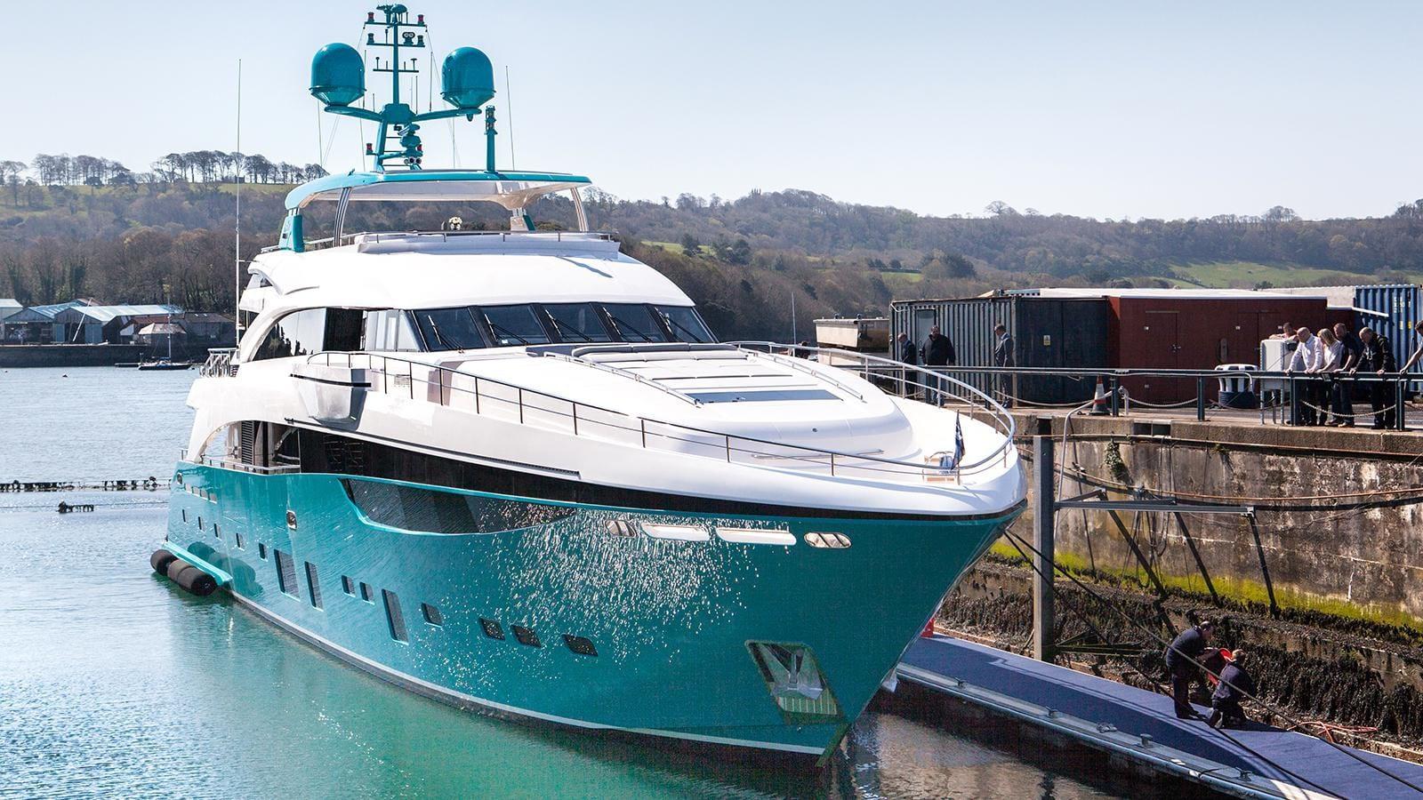 Роскошная чартерная супер яхта Princess 40M Anka