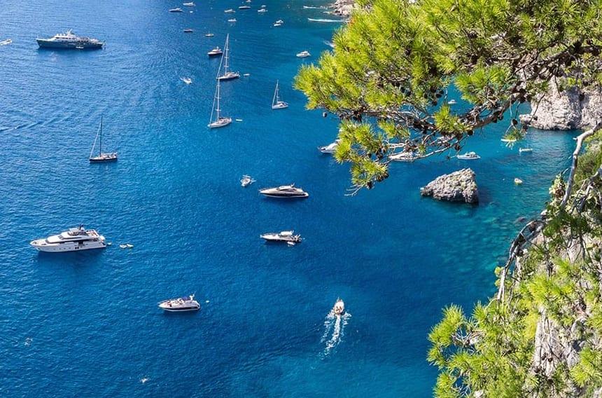 Чартерные яхты на Средиземном море в Италии