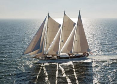 Парусная мегаяхта Dream Ship Factory 65 метров на Средиземном море