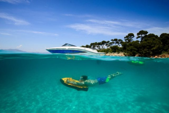 Моторная яхта класса люкс на Сардинии