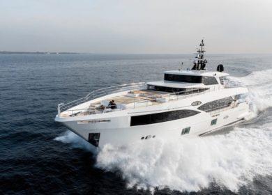 Чартерная супер яхта Mia 30 метров в Италии