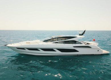 Чартерная моторная яхта 20 метров