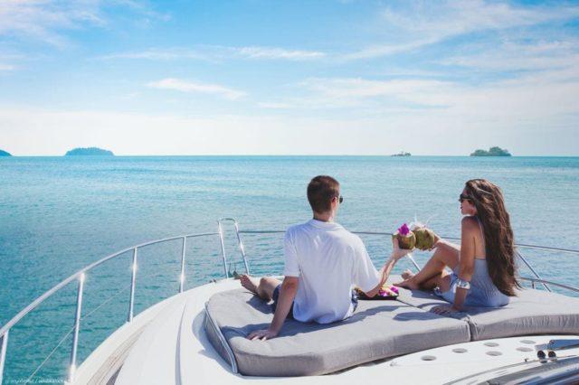 Моторная чартерная яхта на Карибских островах - Демидов