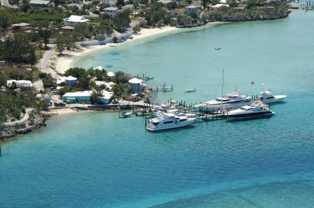 Суперяхты и мегаяхты на Багамах