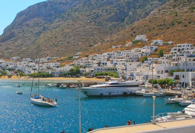 Суперяхта в Греции