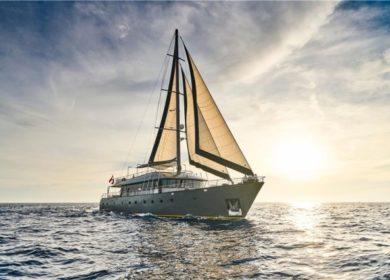 яхта 30 метров