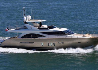Роскошная моторная яхта для аренды на Средиземном море 23 метра