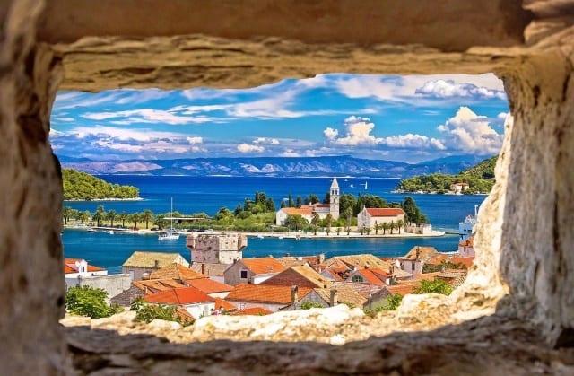Остров Вис - Хорватия - Чартер мегаяхты