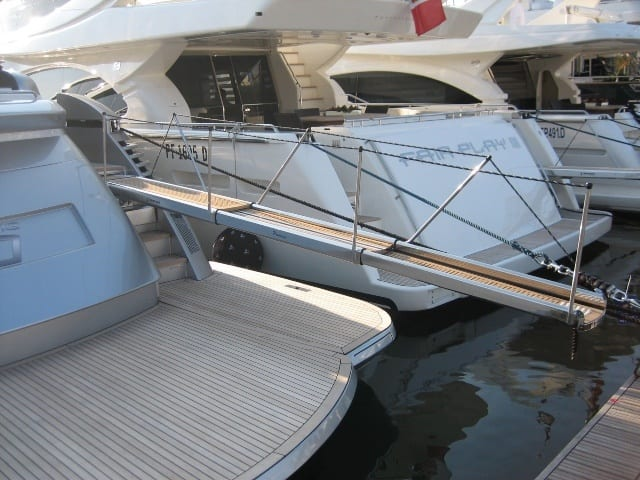 пасарель, гангуэй, трап элитной яхты