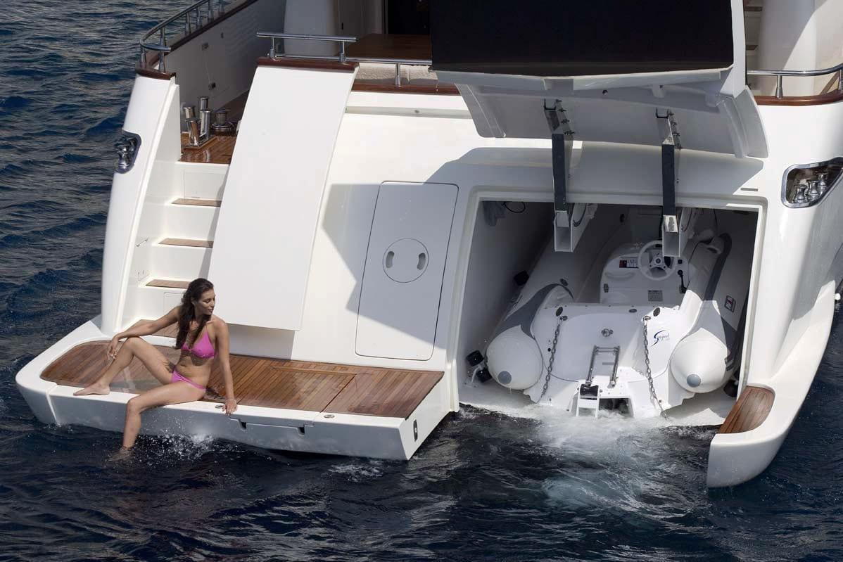 Тендер элитной яхты