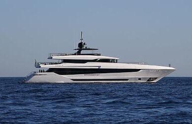Чартерная мега яхта EVA 4EVA