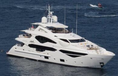 Чартерная мега яхта Lady M от Сансикер