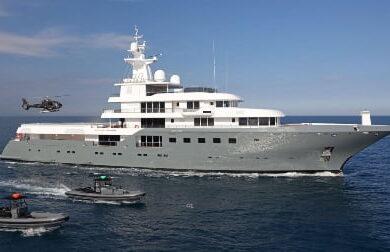 Чартерная мега яхта PLANET NINE - 73 метра