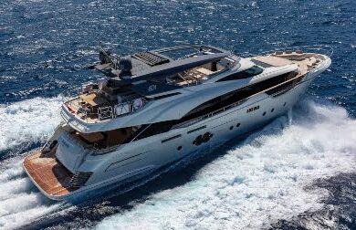 Чартерная моторная яхта Esmeralda of the seas