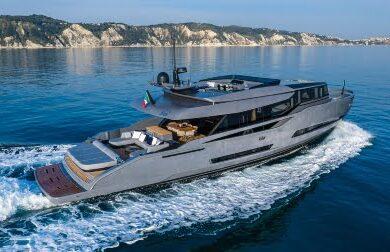 Чартерная моторная яхта HAZE от ISA